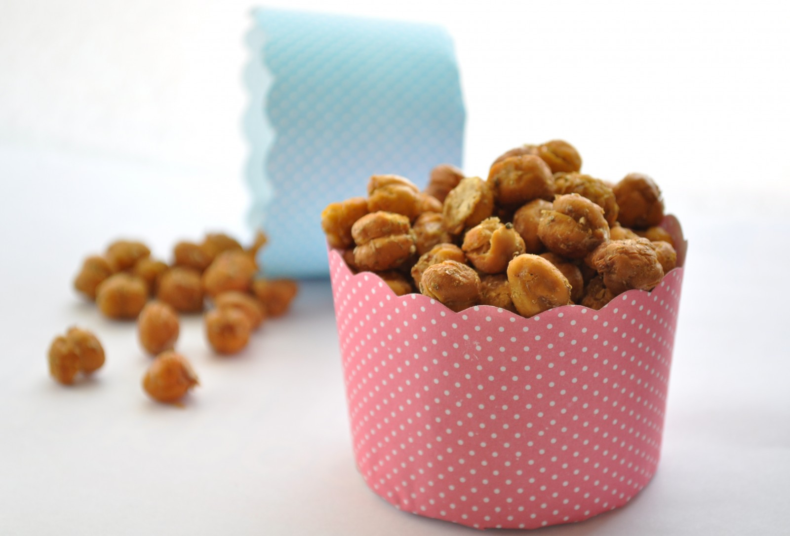 Crispy baked chickpea nibbles