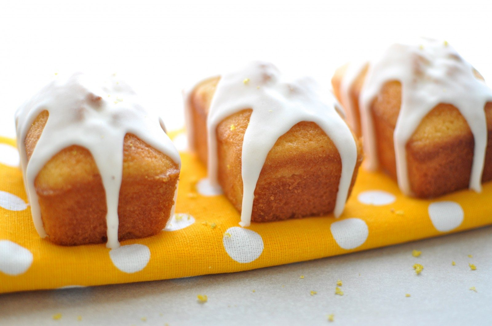 Mini Madeira loaf cakes with lemon drizzle
