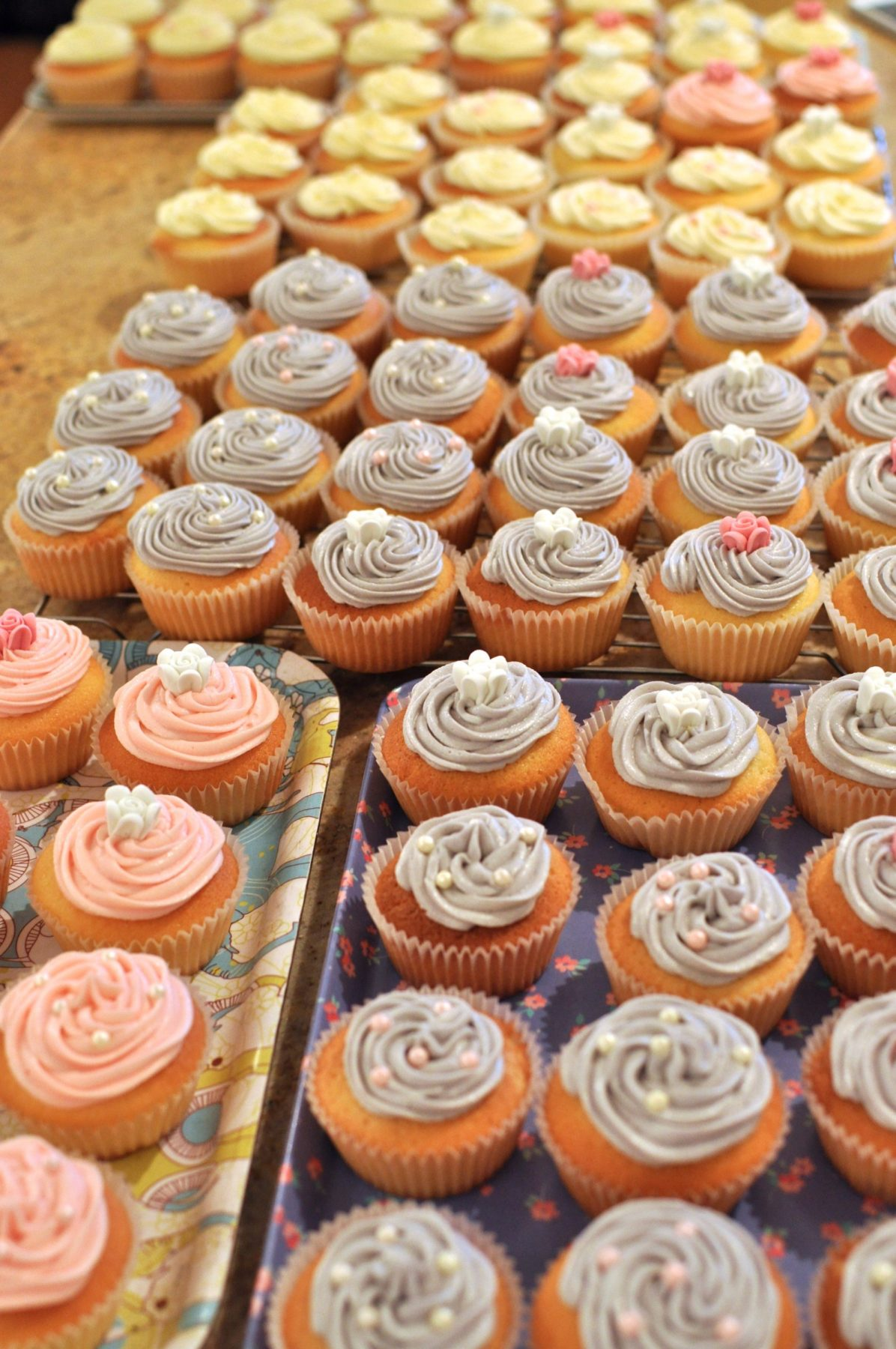 100 wedding cupcakes