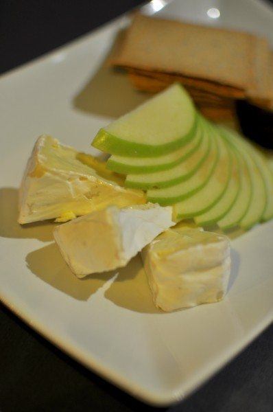 Tarago Gippsland brie with lavosh, quince &amp; apple
