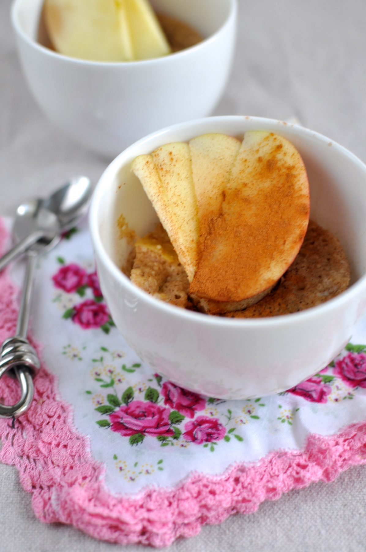 Apple and cinnamon paleo muffin