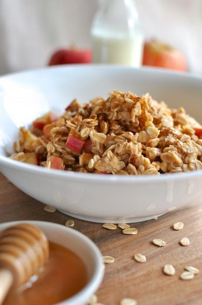 Apple and cinnamon oats