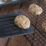 Chocolate oat cookies with ginger